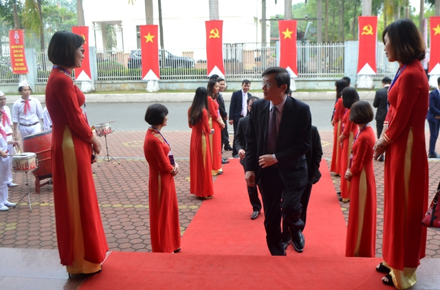 Nhiều đoàn đại biểu Trung ương và tỉnh về dự lễ