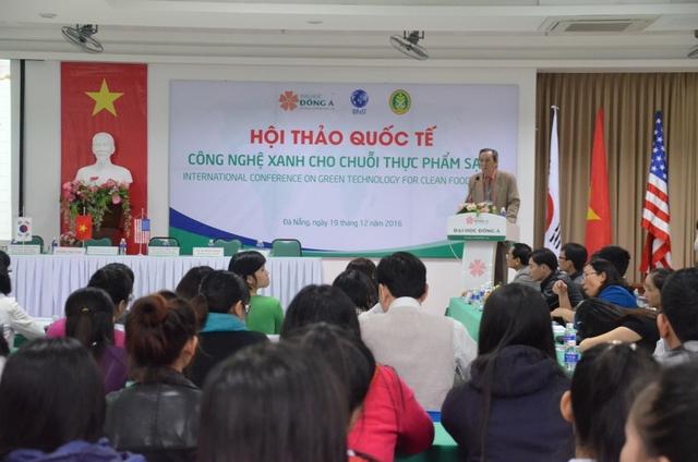 Hội thảo có sự tham gia báo cáo, tham luận, thảo luận của các chuyên gia quốc tế đến từ Hoa Kỳ, Hàn Quốc...Ảnh: Đức Hoàng