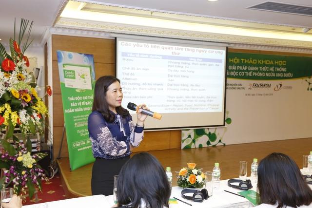 PGS.TS Lê Thị Hương chia sẻ tại hội thảo