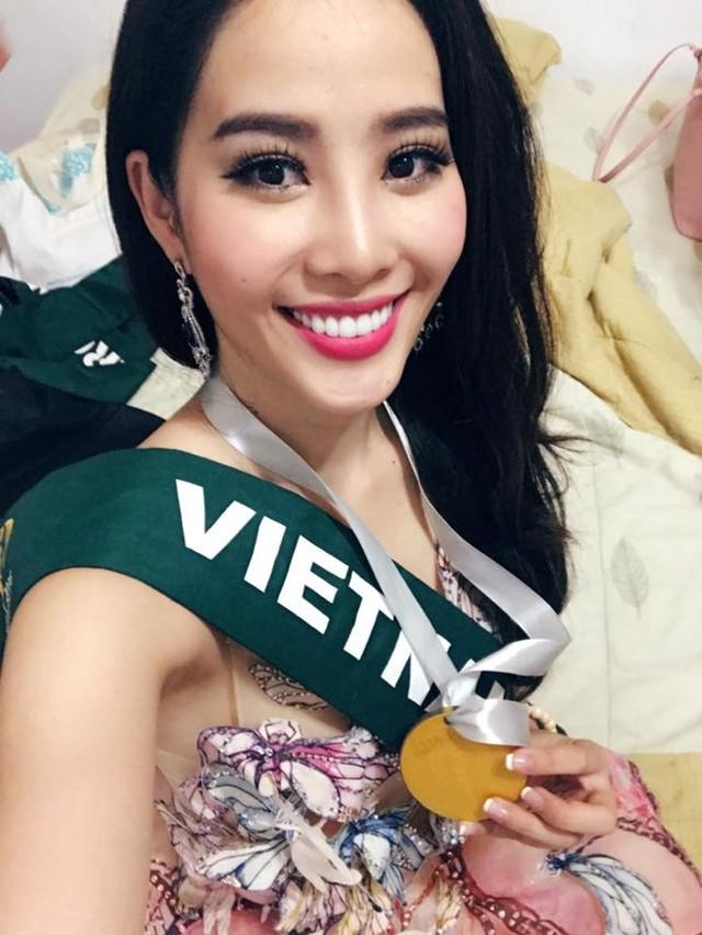 Hoa khôi Nam Em chia sẻ hình ảnh hạnh phúc trên trang cá nhân. Ảnh: FBNV.