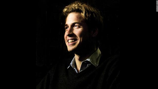 Là con trai đầu lòng của thái tử Charles và công nương Diana , William luôn là cái tên được báo chí và truyền thông săn đón ngay từ thuở nhỏ.