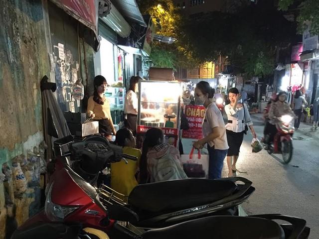 Xe khoai lắc xuất hiện khắp các con phố đến các khu chợ dân sinh