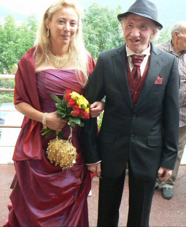 Cuộc hôn nhân của ông Marcel và cô Sandrine bị tất cả dân làng phản đối.