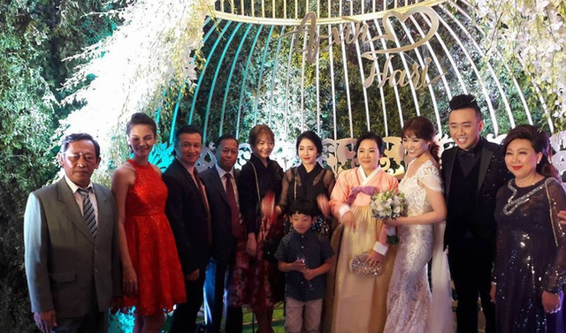 Dàn chị em gái xinh đẹp từ Hàn Quốc tới dự hôn lễ của Hari - Trấn Thành.