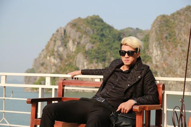 Tạo hình ông bầu Tài trong phim Vệ sĩ, tiểu thư và thằng khờ của Hà Việt Dũng. Ảnh: Quang Khải.
