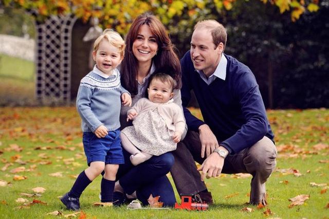 Gia đình bốn người đầy ắp niềm vui và tiếng cười của hoàng tử William.