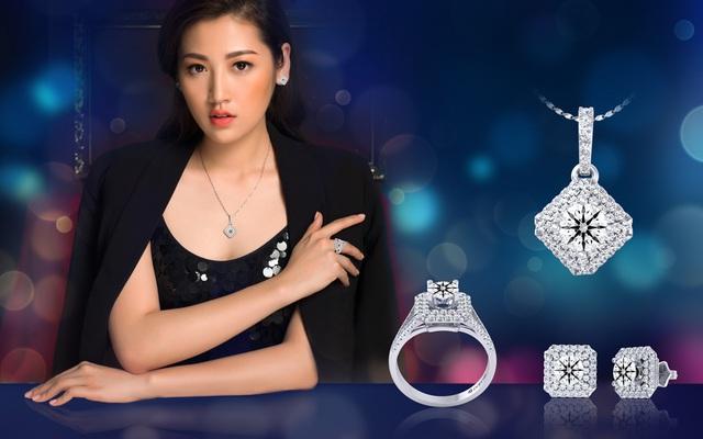 Tú Anh sang trọng trong set đồ gam màu đen mang phong cách thanh lịch, với điểm nhấn là trang sức kim cương có thiết kế cầu kỳ và nổi bật.