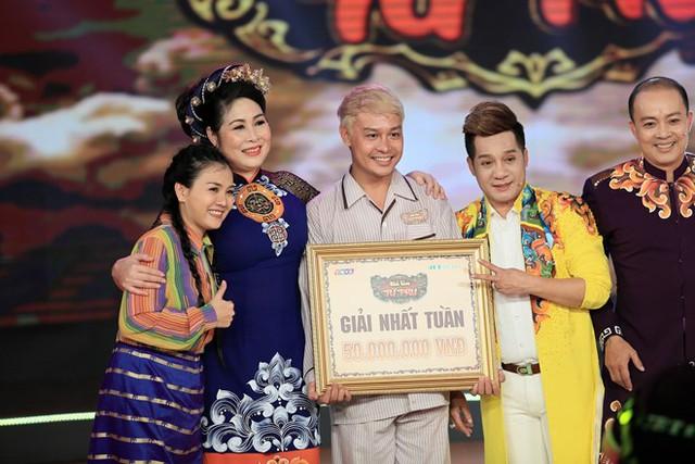 Minh Dũng nhận được tổng điểm 39,7, trong đó có ba điểm 10 tuyệt đối từ các Thánh hài Hồng Vân, Thanh Thủy và Đức Hải. Với số điểm cao nhất trong đêm thi, thầy trò Minh Nhí là đội đầu tiên giành được giải thưởng nhất tuần là 50 triệu đồng.