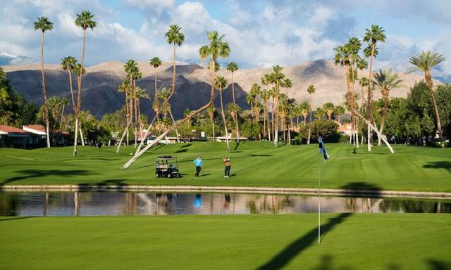 Rancho Mirage có rất nhiều sân gôn đẳng cấp thế giới.