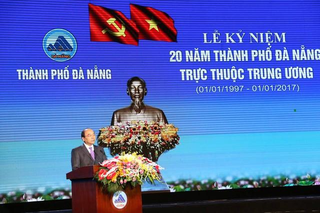 Thủ tướng Nguyễn Xuân Phúc phát biểu tại Lễ kỷ niệm 20 năm thành phố Đà Nẵng trực thuộc Trung ương. Ảnh: H.K