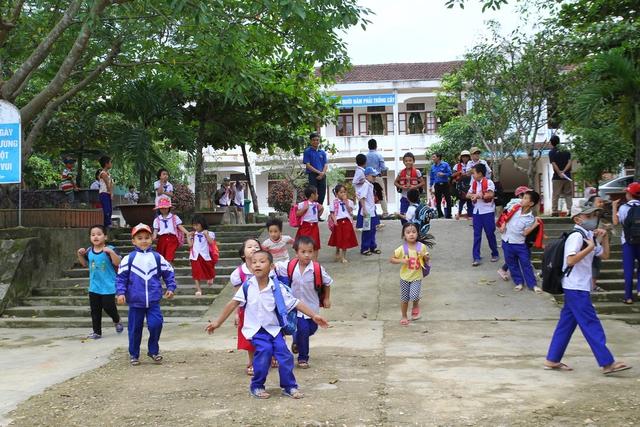 Niềm vui đã trở lại với học sinh trường tiểu học Đức Bồng, huyện Vũ Quang.