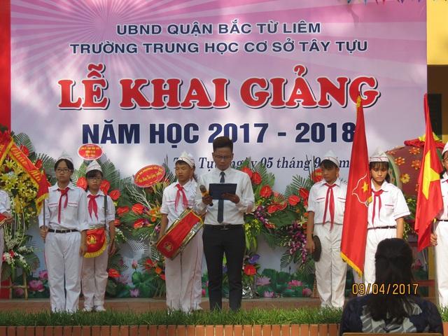 Đầu giờ sáng 5/9, lễ khai giảng năm học mới tại trường THCS Tây Tựu đã được long trọng tổ chức...
