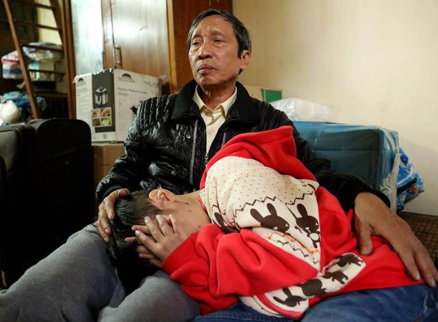 Cháu K hiện đã về ở với mẹ đẻ ở phố Phùng Hưng.