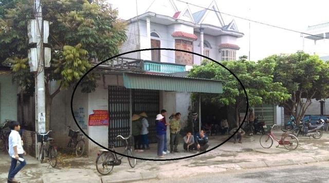 Gia đình nghi phạm tại xã Thanh Xá (huyện Thanh Hà). Ảnh: L.Tân