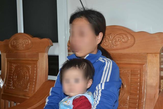 Chị Cao Phương H (vợ Cường) vẫn không tin chồng mình phạm tội. Ảnh: Đ.Tuỳ