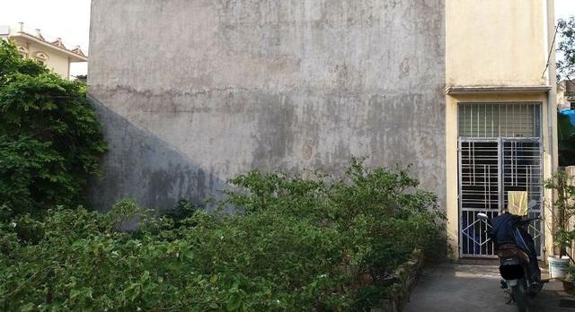 Khu vực vườn cà, nơi gia đình Tuyên sinh sống. Ảnh: Đ.Tuỳ