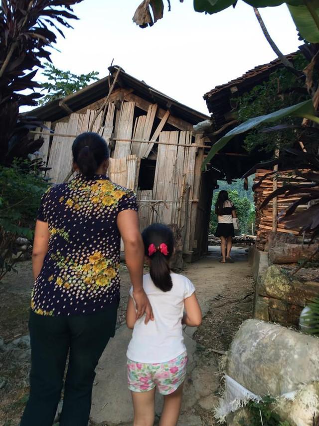 Căn nhà nhỏ còn nhiều thiếu thốn của gia đình anh Toàn. Ảnh: HL