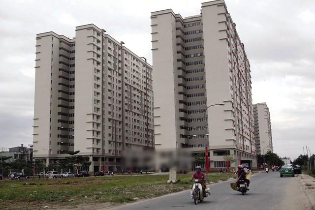 Người thu nhập thấp khó có cơ hội mua nhà vì thiếu vốn ưu đãi như trước đây. Ảnh: H.P