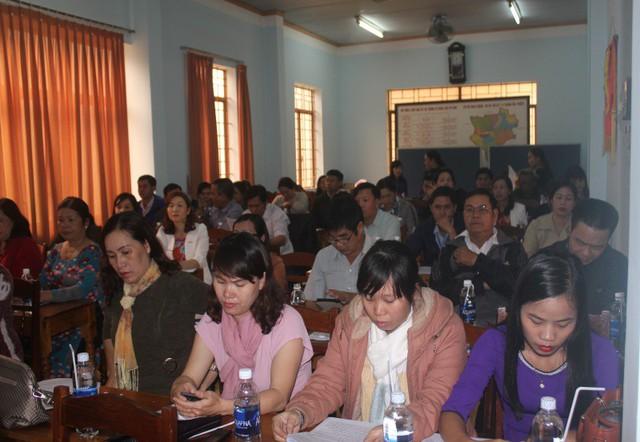 Đông đảo đại biểu tham dự Hội nghị.