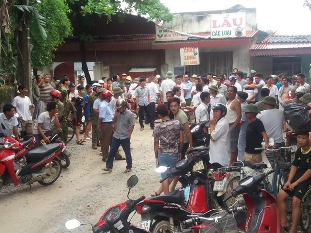Hàng trăm người dân xã Vĩnh Minh bức xúc phản đối doanh nghiệp khai thác đá