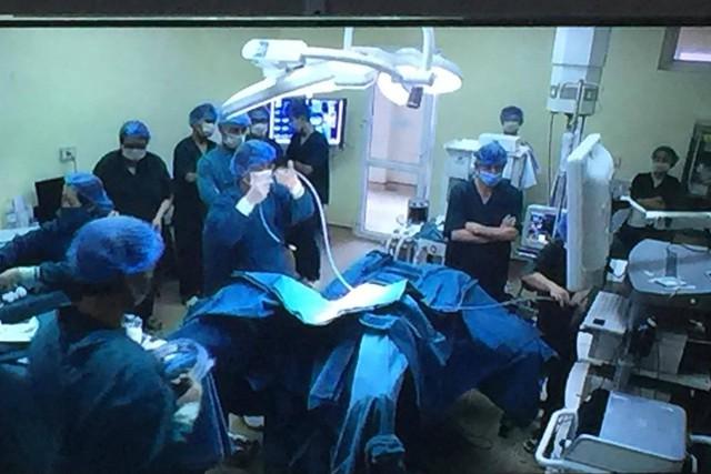 Bệnh nhân T được phẫu thuật nội soi đại trực tràng bằng phương pháp mới