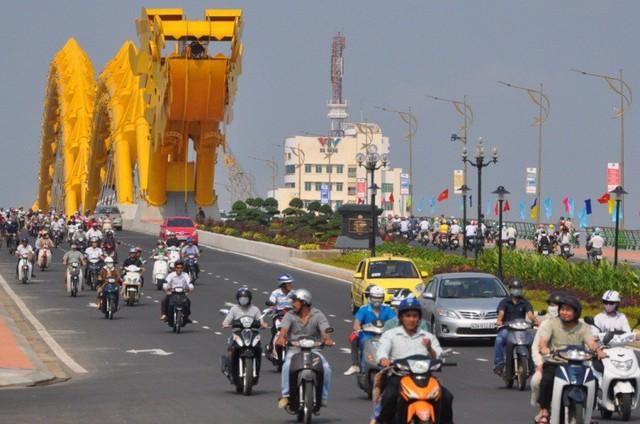 Nhiều phương tiện bị cấm lưu thông, đậu đỗ trên nhiều tuyến đường trên địa bàn TP Đà Nẵng.