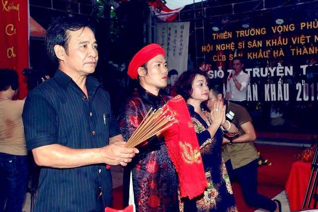 Lễ giỗ tổ nghề sân khấu tại Thiên Trường Vọng Phủ của nghệ sĩ Vượng râu
