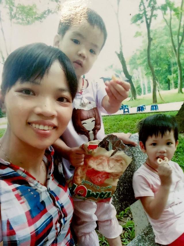 Vợ và hai con gái của anh Hân. Ảnh: Nhân vật cung cấp