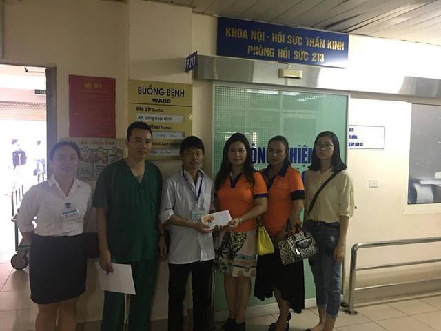 Báo Gia đình & Xã hôi, Câu lạc bộ Thảo thiện nguyện trao cho gia đình em Cháng Đức Long 26,5 triệu đồng, với mong muốn hỗ trợ một phần kinh phí để em chữa bệnh.