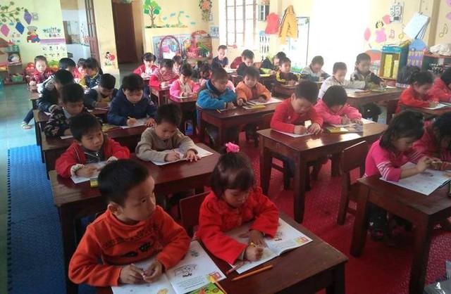 Việc học sinh và số lớp học tăng vào đầu năm học mới là nguyên nhân các đơn vị phải ký hợp đồng giáo viên. Ảnh: Đ.Tùy