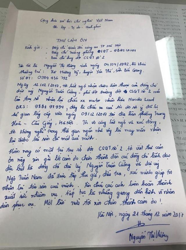 Chị Nguyễn Thị Hương cảm động viết thư cảm ơn gửi tới Giám đốc Công an TP. Hà Nội, Trưởng phòng CSGT Đường bộ - Đường sắt và Ban chỉ huy Đội CSGT số 2