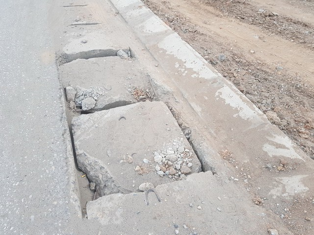 Công trình mới thi công đã thể hiện sự xuống cấp của nhà thầu chính là Công ty Cổ phần Xây dựng giao thông I Thái Nguyên.