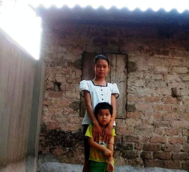 Phạm Thu Thanh - cô con gái lớn của anh Cường mắt đang kém đi.