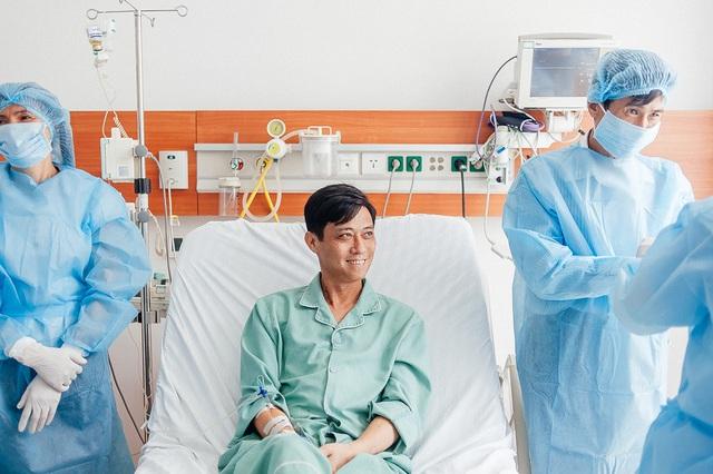 Nụ cười của bệnh nhân Mai Văn Tuân sau 3 tuần ghép gan thành công
