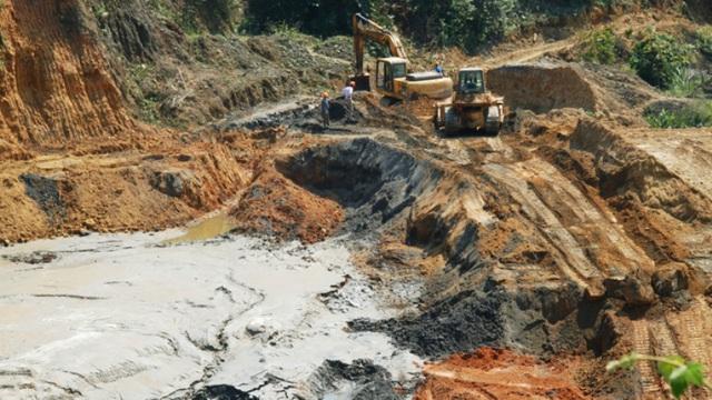 Hiện trường sự cố vỡ đập bùn thải tại Xí nghiệp khai thác thiếc Suối Bắc. Ảnh: V.Đồng