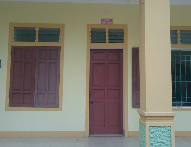 Phòng làm việc của Trưởng Công an xã Nghi Quang đã khóa kín.