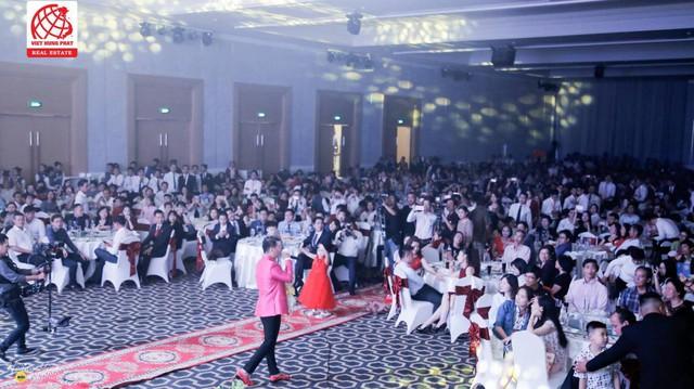 Công ty tổ chức nhiều Chương trình tri ân khách hàng với những buổi tiệc hoành tráng và ấm cúng.
