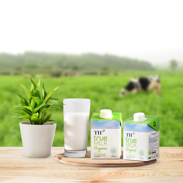 Ngày 17.8, TH ra mắt sản phẩm sữa tươi TH true MILK organic bao bì 500ml