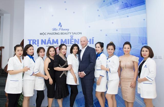 Đội ngũ chuyên gia của Mộc Phương Beauty Salon đã có hơn 15 năm kinh nghiệm trong lĩnh vực làm đẹp