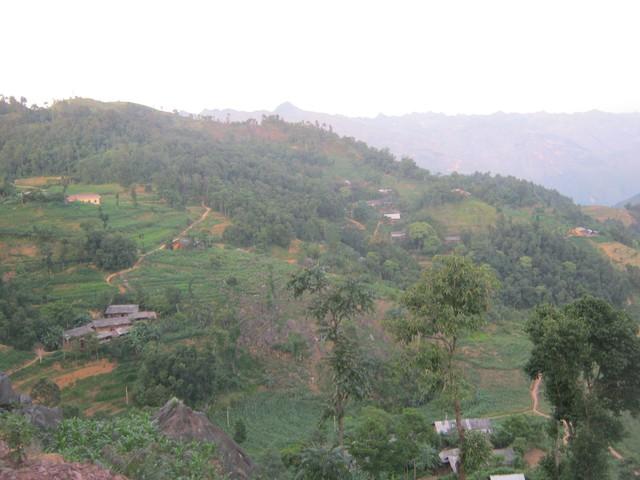 Những bản làng thuộc khu vực giáp biên của núi rừng xứ Đông Bắc thường xuyên xảy ra những vụ buôn bán phụ nữ và trẻ em thương tâm.     Ảnh: Văn Minh