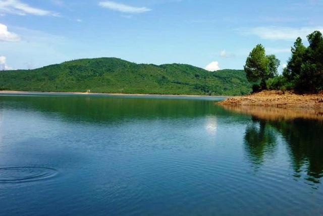 Khu vực hồ Phú Ninh, nơi xảy ra vụ việc. Ảnh: CTV