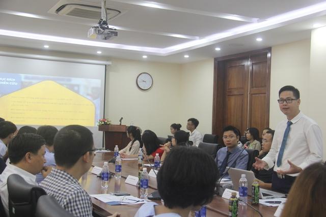 TS. Trần Thành Nam, Đại học Giáo dục, ĐH Quốc gia Hà Nội và là thành viên của Hiệp hội Tâm lý và Giáo dục Việt Nam (VAPE) phát biểu tại hội thảo