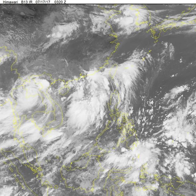 Ảnh vệ tinh về hoàn lưu bão số 2 trên đất liền vào hồi 10h45 sáng hôm nay (17/7).