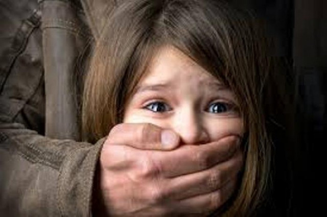 Các chuyên gia khuyến cáo, bắt cóc trẻ em đang là vấn đề khiến nhiều người hoang mang, lo lắng. Ảnh minh họa