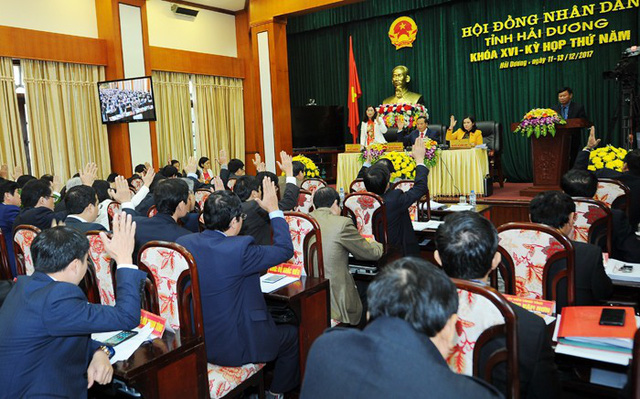 Kỳ họp thứ 5, khóa XVI HĐND tỉnh Hải Dương giải quyết nhiều vấn đề bức thiết, trong đó có việc chi trả lương cho gần 1.200 giáo viên. Ảnh: Thành Chung