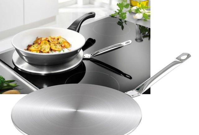 Bạn có thể sử dụng đĩa từ để giúp bếp từ nhận nồi không được làm từ chất liệu nhiễm từ.