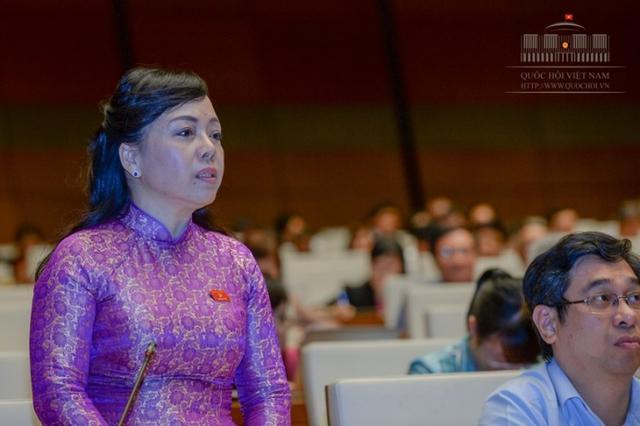 Theo Bộ trưởng Kim Tiến, Bộ Y tế đã có những giải pháp dùng đường dây nóng, bằng các thùng thư góp ý, quay camera, tăng cường giám sát chuyên môn và có một thông tư xử phạt nghiêm minh để nâng cao thái độ phục vụ.