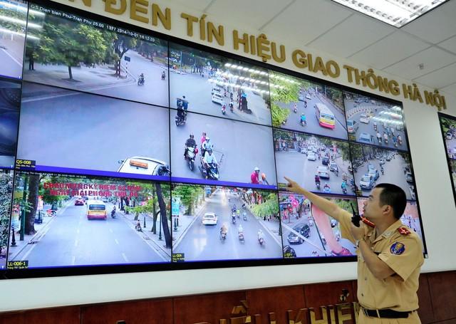 Quận Đống Đa cùng công an thành phố lắp đặt camera theo dõi để xử lý nguội những trường hợp vi phạm trật tự an toàn giao thông, an ninh đô thị.