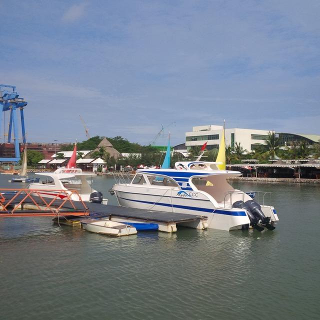 Tàu do Cty Việt Séc đóng bằng vật liệu PPC đã hoàn thiện nhưng không thể giao cho khách hàng vì vướng đăng kiểm. (ảnh: HC)