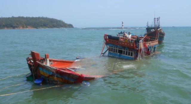 Đã tìm được 3 người trong tổng số 13 người vụ chìm tàu chở than ở Nghệ An. Ảnh minh họa